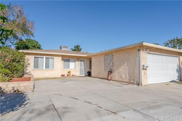 9926 Cayuga Avenue, Pacoima, CA 91331 (#SR18251586) :: Mainstreet Realtors®