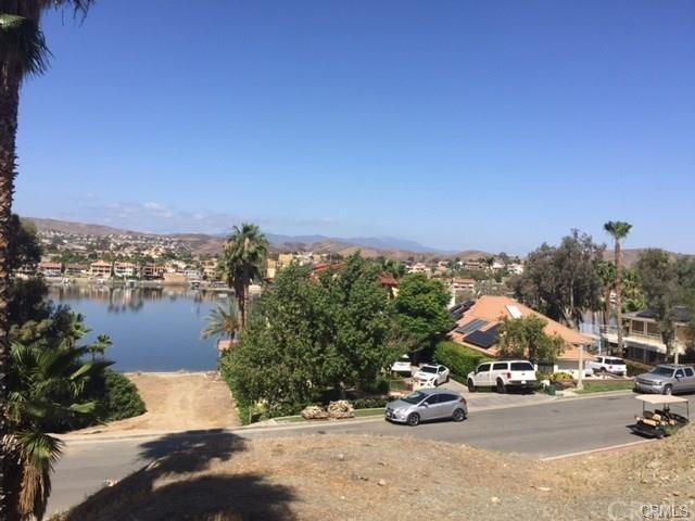 22343 San Joaquin, Canyon Lake, CA 92587 (#SW18252498) :: Impact Real Estate