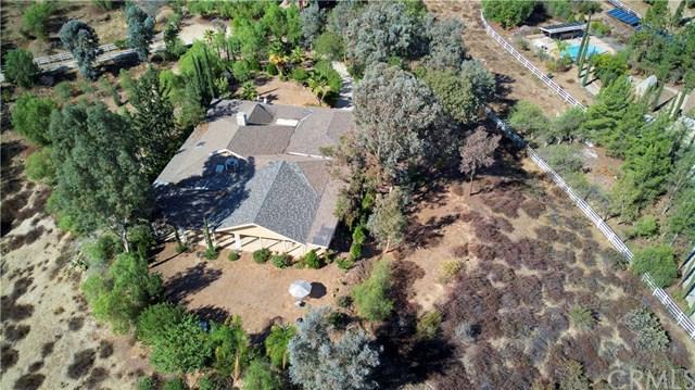 38090 Mesa Road, Temecula, CA 92592 (#SW18252686) :: The Laffins Real Estate Team