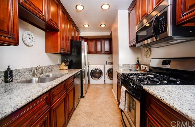 1340 W 8th Street, Upland, CA 91786 (#RS18242901) :: The Laffins Real Estate Team