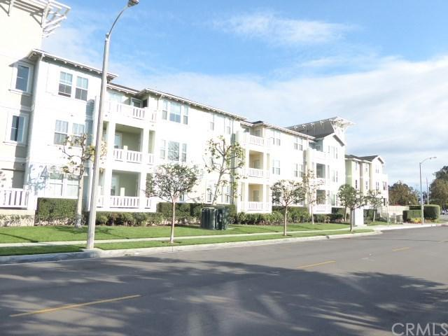 2367 Jefferson Street #105, Torrance, CA 90501 (#SB18249705) :: Millman Team