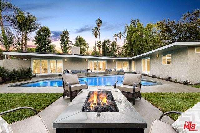 4960 Palomar Drive, Tarzana, CA 91356 (#18397972) :: Millman Team