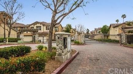 7161 East Avenue #103, Rancho Cucamonga, CA 91739 (#CV18253431) :: The Laffins Real Estate Team