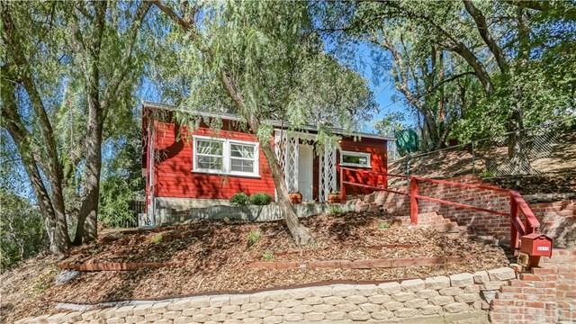 4411 Tepoca Road, Woodland Hills, CA 91364 (#SR18253354) :: Millman Team