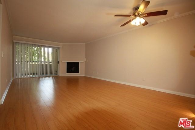 21450 Burbank #107, Woodland Hills, CA 91367 (#18398160) :: Millman Team