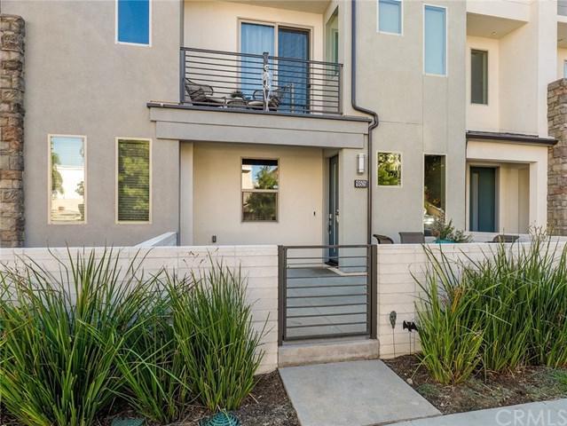 19505 Cardigan Drive, Northridge, CA 91324 (#BB18253791) :: Millman Team