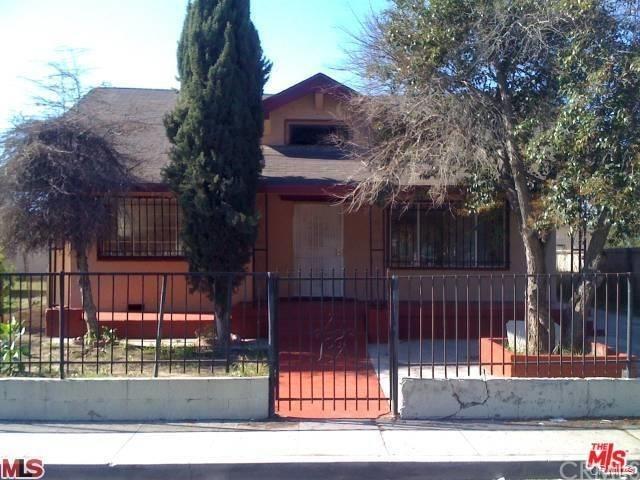 11415 Grape Street, Los Angeles (City), CA 90059 (#IV18254188) :: Keller Williams Realty, LA Harbor