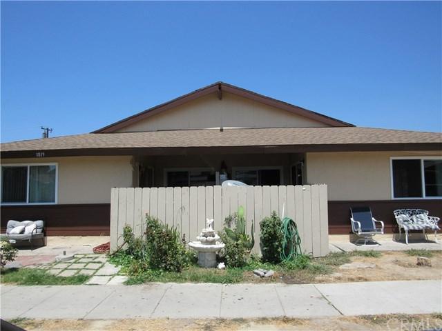 1819 E Grove Avenue, Orange, CA 92865 (#OC18254217) :: The Darryl and JJ Jones Team