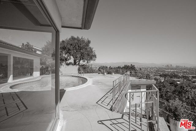 4054 Mantova Drive, Los Angeles (City), CA 90008 (#18397364) :: Millman Team