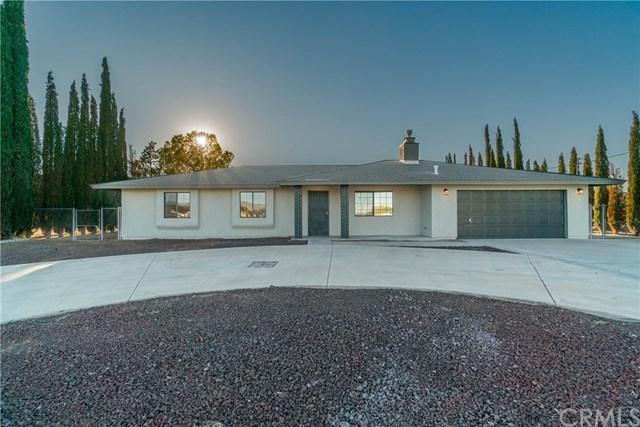 8068 Cottonwood Avenue, Hesperia, CA 92345 (#CV18252500) :: Millman Team