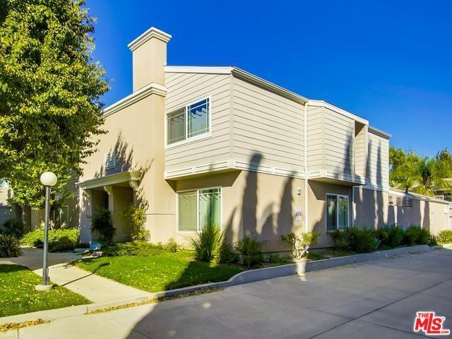 10233 White Oak Avenue #1, Northridge, CA 91325 (#18398538) :: Millman Team