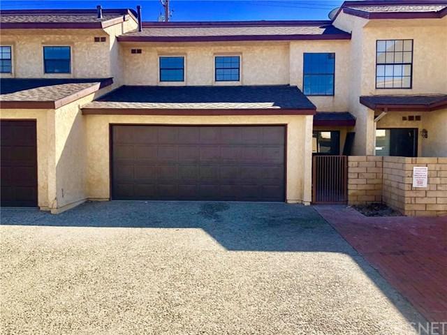 42803 15th Street W #8, Lancaster, CA 93534 (#SR18254519) :: Millman Team