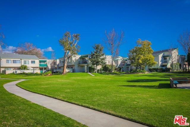 18526 Mayall Street C, Northridge, CA 91324 (#18398742) :: Millman Team