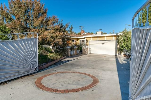 19123 Collins Street, Tarzana, CA 91356 (#SR18254859) :: Mainstreet Realtors®
