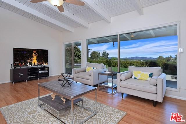 18016 Boris Drive, Encino, CA 91316 (#18398924) :: Mainstreet Realtors®