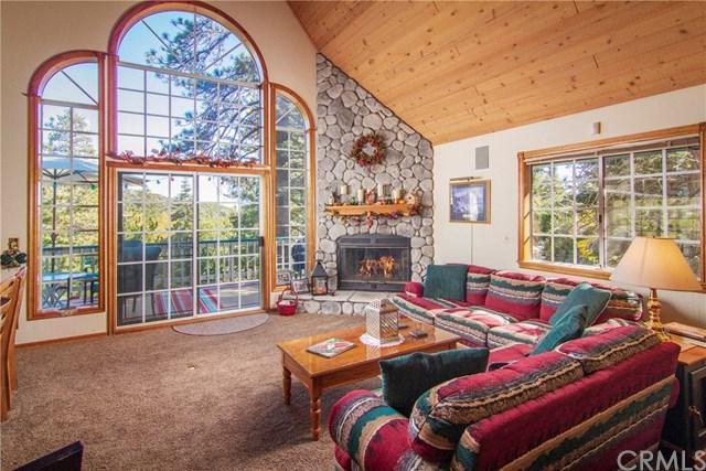 26241 Spyglass Drive, Lake Arrowhead, CA 92352 (#EV18255074) :: Angelique Koster