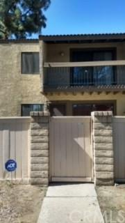 9268 Citrus Avenue F, Fontana, CA 92335 (#CV18255120) :: Impact Real Estate