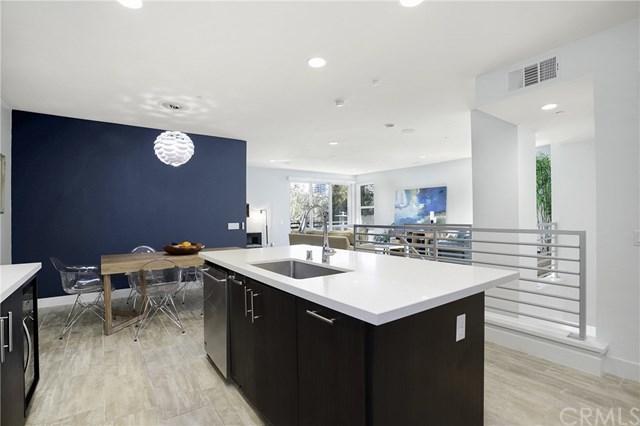 302 Rockefeller, Irvine, CA 92612 (#NP18247474) :: The Brad Korb Real Estate Group