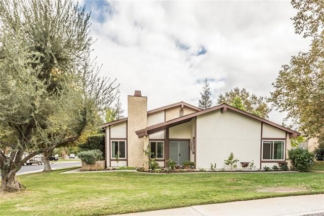 1075 Ardmore Circle, Redlands, CA 92374 (#EV18255734) :: The Brad Korb Real Estate Group