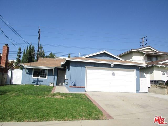 1341 E Bankers Drive, Carson, CA 90746 (#18399472) :: Barnett Renderos