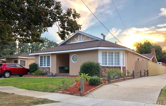 1741 Elm Avenue, Torrance, CA 90503 (#SB18257179) :: Barnett Renderos