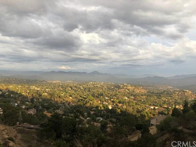 4824 Mount Helix Drive, La Mesa, CA 91941 (#OC18262348) :: J1 Realty Group