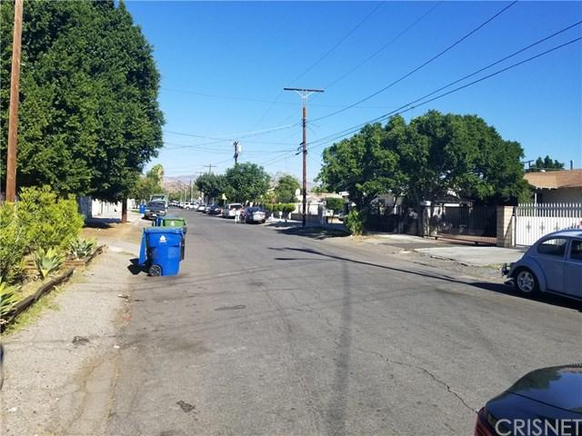 13365 Garber Street, Pacoima, CA 91331 (#SR18265106) :: RE/MAX Masters
