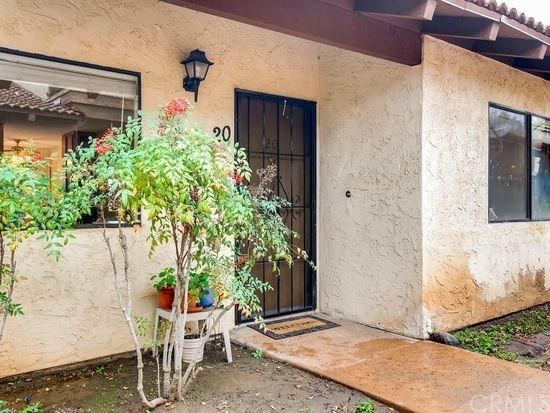 625 S Fig Street #20, Escondido, CA 92025 (#CV18266383) :: Go Gabby