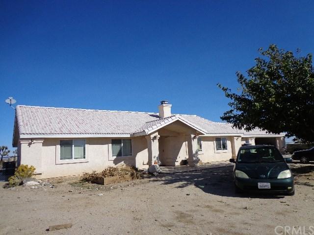 4624 Del Rosa Road, Phelan, CA 92371 (#PW18266905) :: Go Gabby