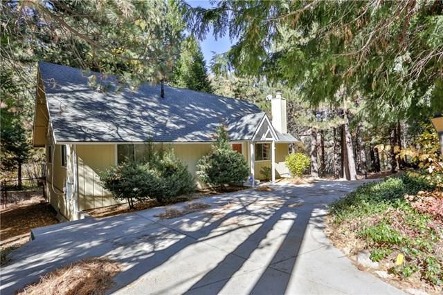 352 Grass Valley Road, Lake Arrowhead, CA 92352 (#EV18269433) :: Angelique Koster