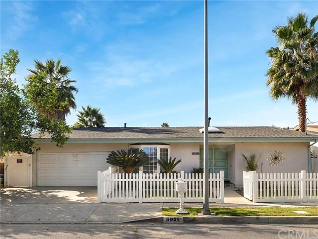 6955 Rubio Avenue, Lake Balboa, CA 91406 (#BB18269580) :: Go Gabby