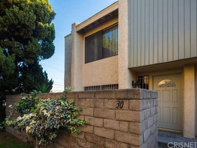 8633 Balboa Boulevard #30, Northridge, CA 91325 (#SR18268934) :: RE/MAX Masters
