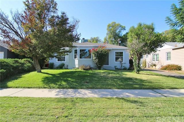 6545 De Celis Place, Lake Balboa, CA 91406 (#SR18269400) :: Go Gabby