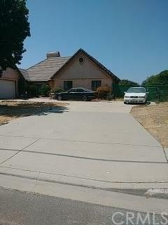 2748 N Cedar Avenue, Rialto, CA 92377 (#IV18270982) :: Mainstreet Realtors®