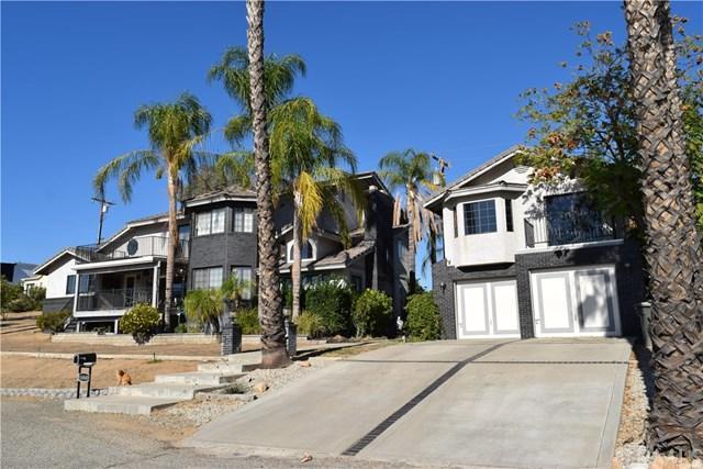 16840 Bell Avenue, Lake Elsinore, CA 92530 (#SW18269601) :: Go Gabby