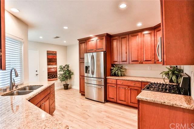 21225 Serra Vista #38, Lake Forest, CA 92630 (#OC18271025) :: Berkshire Hathaway Home Services California Properties