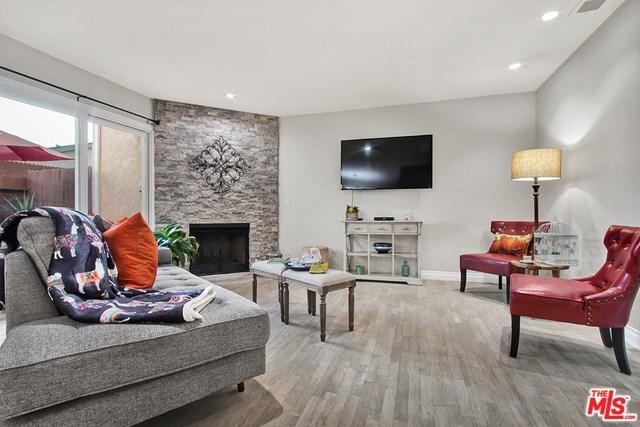 2300 Carnegie Lane #9, Redondo Beach, CA 90278 (#18403450) :: RE/MAX Empire Properties