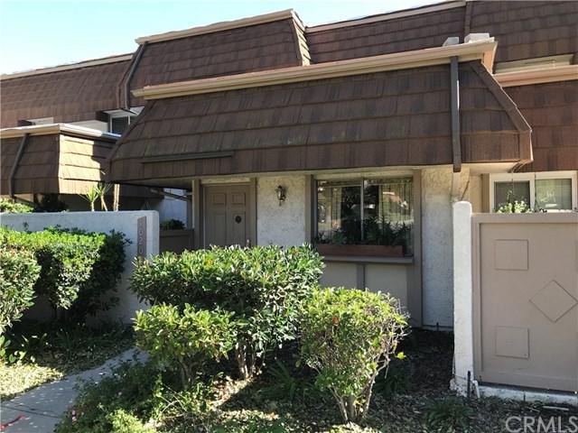 10200 Larwin Avenue #4, Chatsworth, CA 91311 (#CV18270060) :: RE/MAX Masters