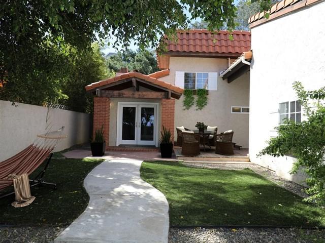 13942 Mango Drive, Del Mar, CA 92014 (#180062920) :: Go Gabby