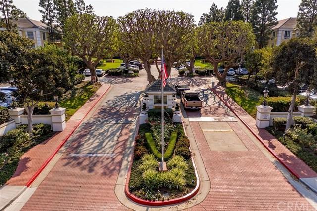 101 Scholz Ph18, Newport Beach, CA 92663 (#NP18271465) :: Scott J. Miller Team/RE/MAX Fine Homes