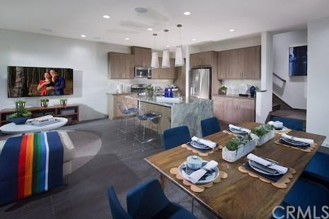 47 Jasmine, Lake Forest, CA 92630 (#OC18271929) :: Berkshire Hathaway Home Services California Properties