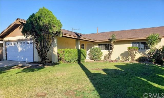 7725 Oleander Avenue, Fontana, CA 92336 (#CV18272181) :: Mainstreet Realtors®