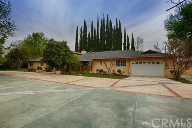 8353 White Oak Avenue, Northridge, CA 91325 (#SB18272556) :: RE/MAX Masters