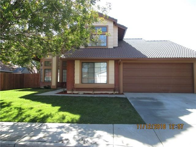 2526 E Avenue R13, Palmdale, CA 93550 (#SR18271591) :: RE/MAX Masters