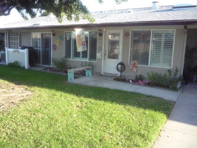 13341 El Dorado Drive 200E, Seal Beach, CA 90740 (#PW18272975) :: Scott J. Miller Team/RE/MAX Fine Homes