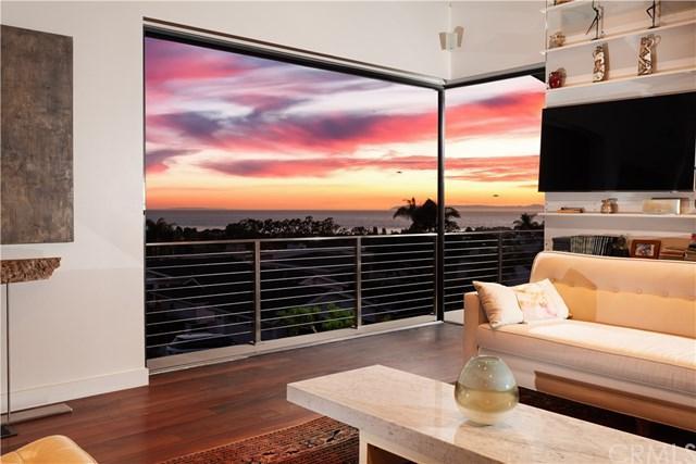 456 Mendoza, Corona Del Mar, CA 92625 (#PW18272761) :: Berkshire Hathaway Home Services California Properties