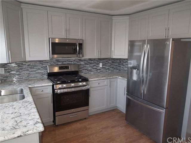 48 Fallbrook #10, Irvine, CA 92604 (#PW18273011) :: Berkshire Hathaway Home Services California Properties