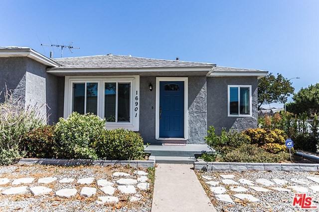 16091 Hartland Street, Los Angeles (City), CA 91406 (#18407396) :: Go Gabby
