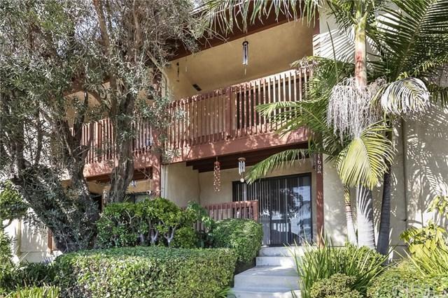 4169 Manhattan Beach Boulevard, Lawndale, CA 90260 (#SB18270844) :: RE/MAX Masters