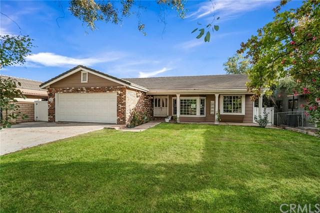 23055 Compass Drive, Canyon Lake, CA 92587 (#SW18273174) :: Go Gabby